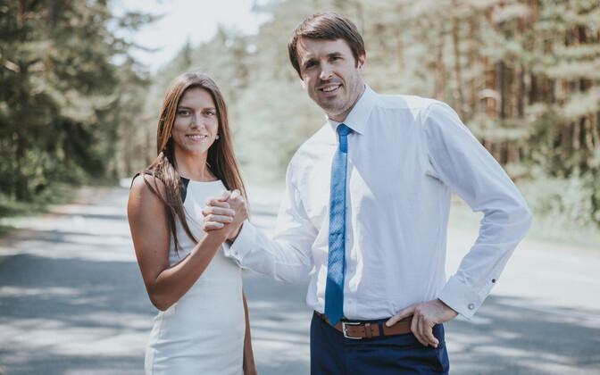 Anastassia Kovalenko koos plagieerimissüüdistusega erakonnakaaslase Rainer Vakraga.
