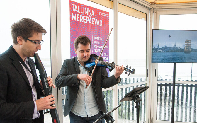 Musicians playing at an event where the schedule for the 2017 Tallinn Maritime Days was revealed. June 14, 2017.