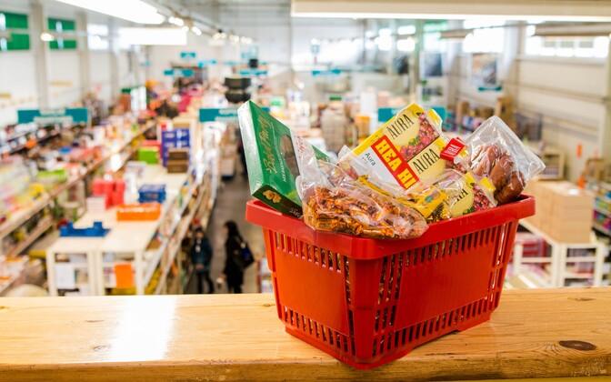 Basket of groceries.