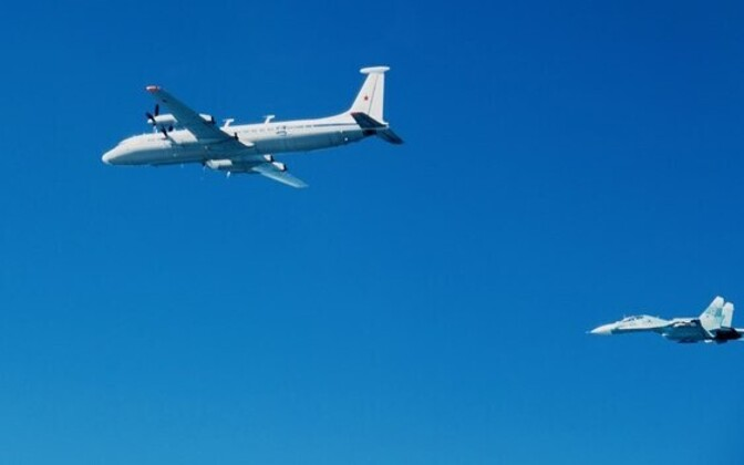 Russian Il-22 and Su-27 sighted by the Finnish Air Force flying over the Baltic Sea.