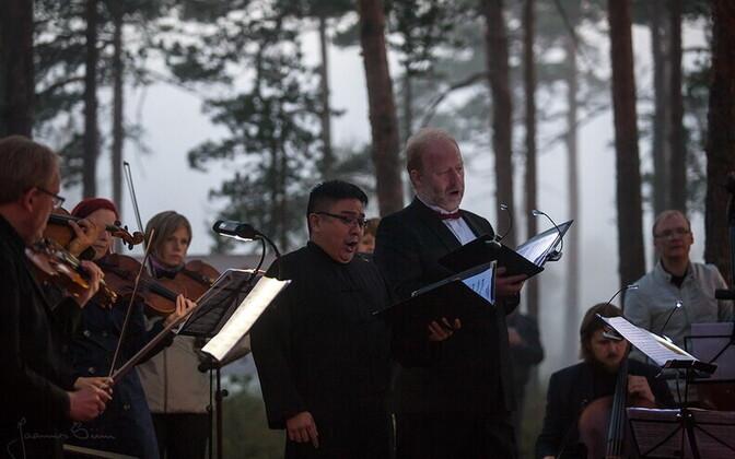 Suure-Jaani muusikafestivali päikesetõusukontsert eelmisel aastal.