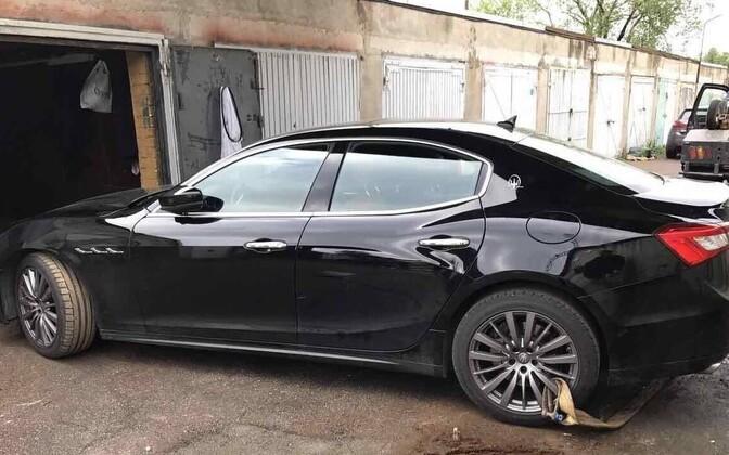 В гаражах в районе столичного района Тонди нашли угнанный Masearti.