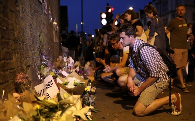 Londonis Finsbury Parkis kogunesid inimesed terrorismivastasele ühispalvusele.