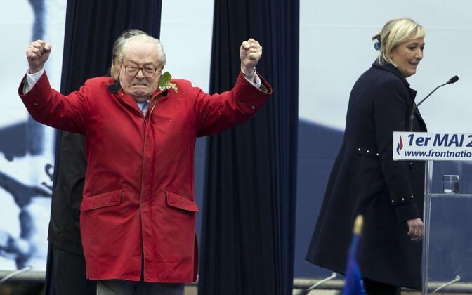 2015. aastal 1. mail saabus Jean-Marie Le Pen parteiüritusele oma tütre sõnavõttu segama.