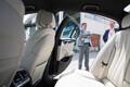 Kõik autod on sobivad mistahes VIPi sõidutamiseks, aga mõni auto on pisut esindlikum. X7 on igatahes vipilikum kui X5. Turvalisusega on ka omad reeglid, aga neist mõistagi rääkida ei saa. Isegi mitte poole sõnaga. Isegi mitte ümber nurga või mõistu.
