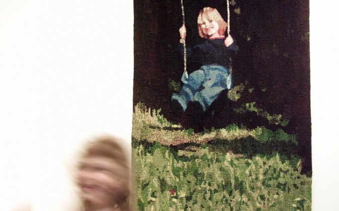 Siiri Minka. Kestev lapsepõlv. 2001. Vill, gobelään.