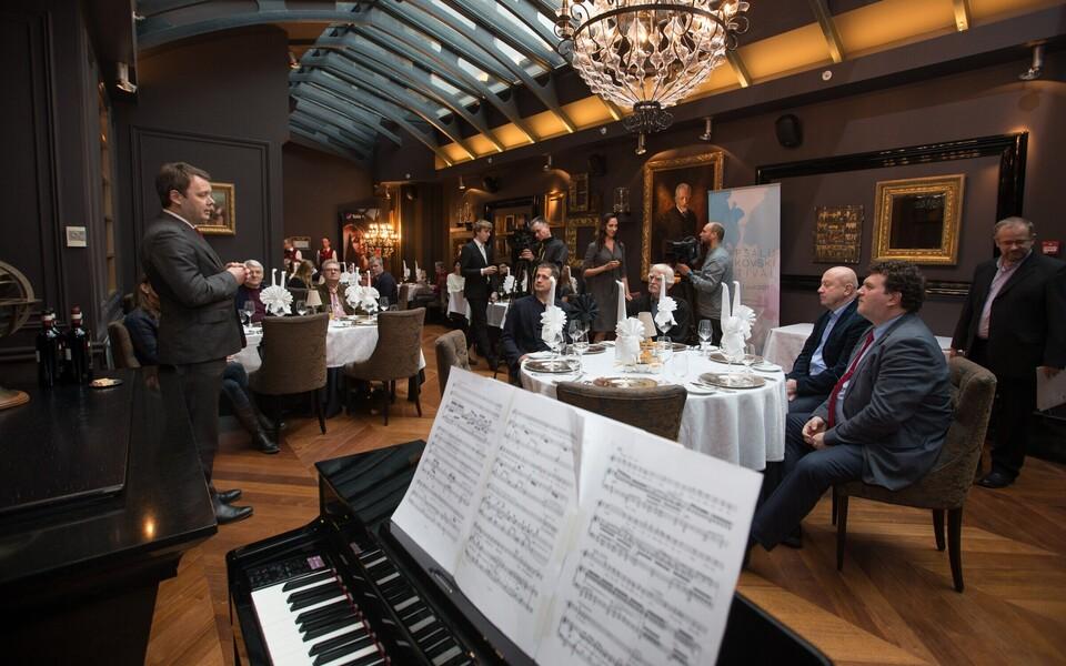 Esimese Haapsalu Tšaikovski festivali väljakuulutamine Tšaikovski restoranis.