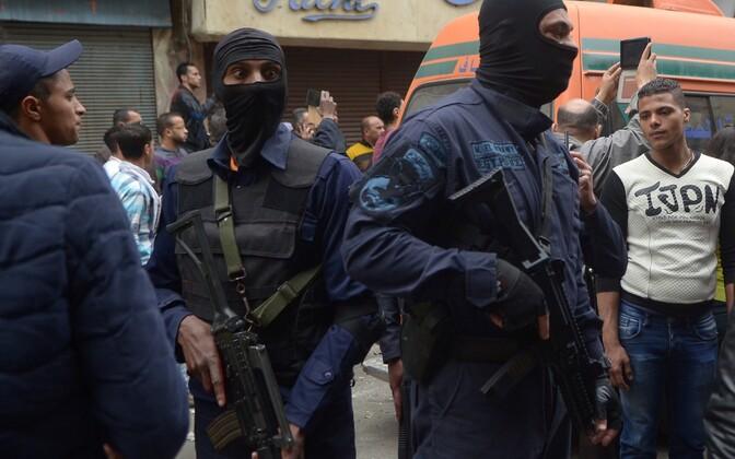 Egiptuse eriüksuslased Aleksandrias pärast aprillikuist terrorirünnakut.