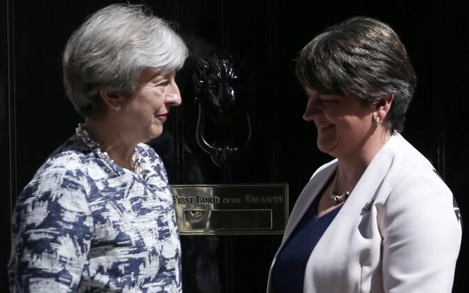 Мэй идемократы Северной Ирландии готовы заключить сделку