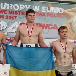 Roman Sviridov (vasakul)