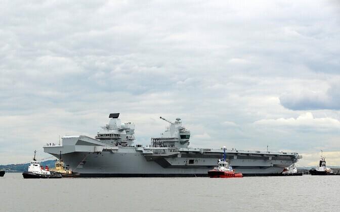 Ühendkuningriigi uus lennukikandja HMS Queen Elizabeth esimesel proovisõidul.