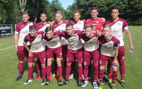 Saaremaa jalgpallimeeskond