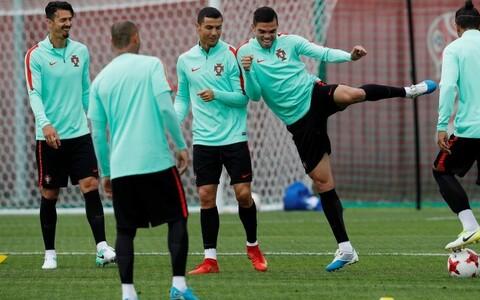 Футболисты сборной Португалии готовятся к матчу с чилийцами.