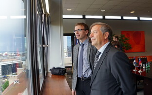 Estonian and Slovenian Ministers of Foreign Affairs Sven Mikser (left) and Karl Erjavec (right) in Tallinn on Monday. June 26, 2017.