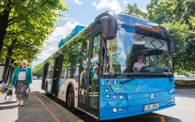 Городской автобус в Пярну.