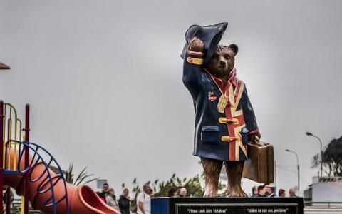 Памятник медвежонку Паддингтону.