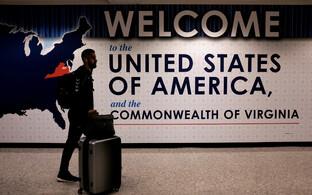 Reisija saabub rahvusvaheliselt lennult USA-sse.