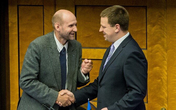 Seeder with Prime Minister Jüri Ratas (Center). Seeder doesn't believe the Center Party's choice of front runner in Tallinn will affect the coalition.