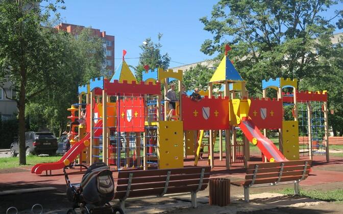 Детская площадка в Нарве. Иллюстративная фотография.