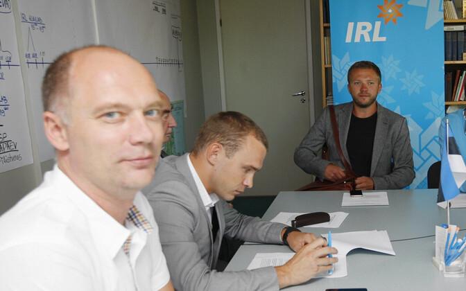Peeter Laurson ja Margus Tsahkna 2013. aasta kohalike valimiste ajal.