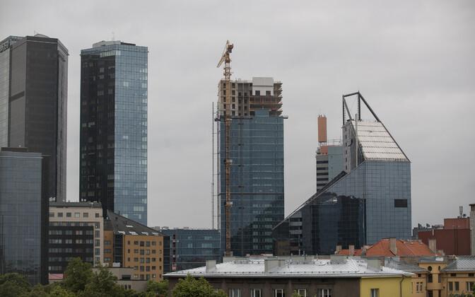 Строящийся небоскреб в квартале Маакри в Таллинне.
