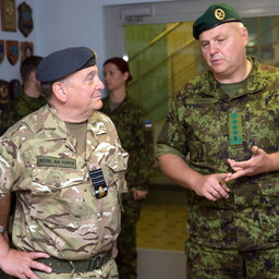 U.K. Chief of the Defence Staff Gen. Sir Stuart Peach (left) visits Estonia. June 30, 2017.