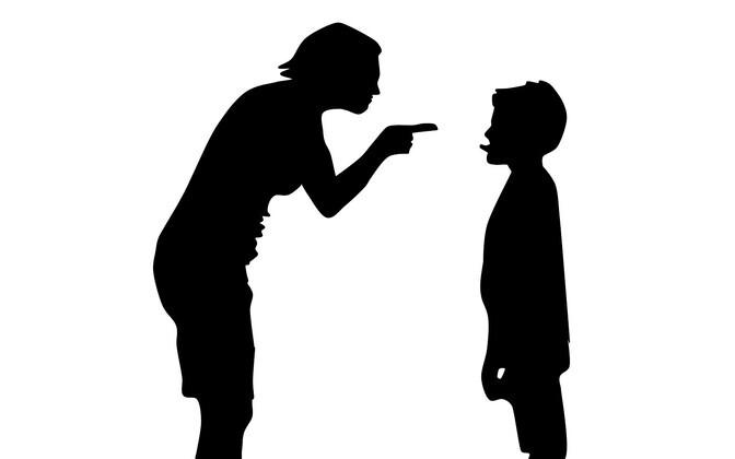 Vanem, kes pahandust teinud või halva hinde saanud last tutistab, annab talle laksu või rihma, soovib oma sõnul õpetada niiviisi lapsele õiget käitumist. Tegelikult näitab selline tegu vanemakohust täitva täiskasvanu toimetulematust oma ärevuse ja stressi