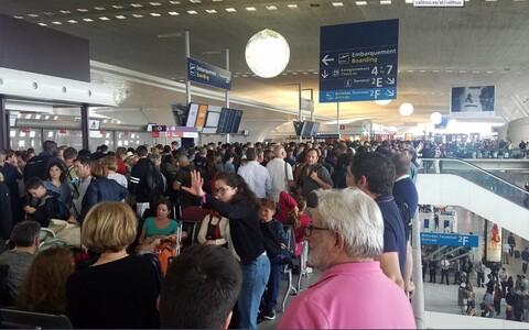 Charles de Gaulle lennujaam on Euroopas suuruselt teine ja selle kaudu liigub päevas umbes 180 000 reisijat.