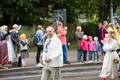Шествие участников Молодежного праздника песни и танца.