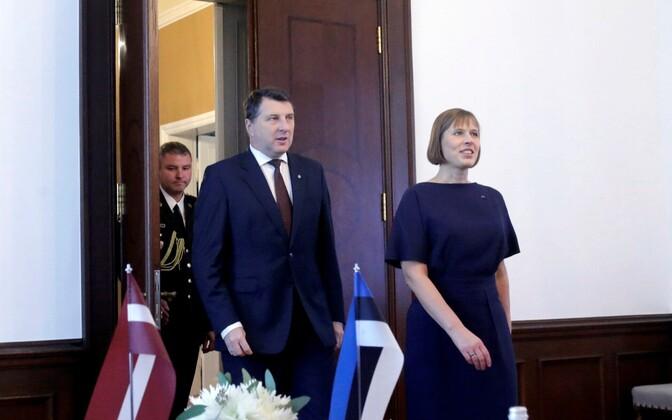 Presidents Vējonis and Kaljulaid in Riga, October 2016.