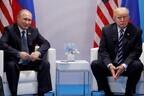 Конгрессмены хотят лишить Трампа (справа) возможности без их ведома заключать сделки с Путиным.