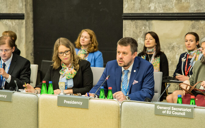 Estonia's Urmas Reinsalu (IRL) chaired the meeting of the EU's justice ministers.