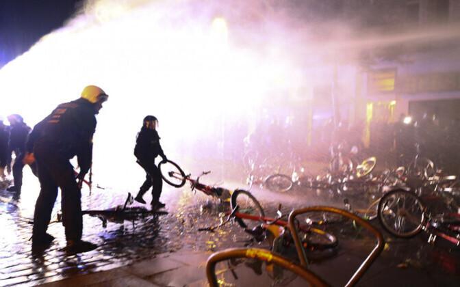 Беспорядки в Гамбурге не утихали несколько дней.