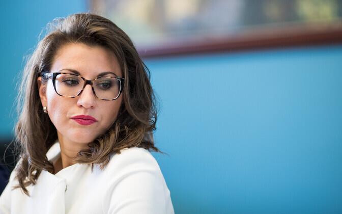 MP Olga Ivanova (Center).