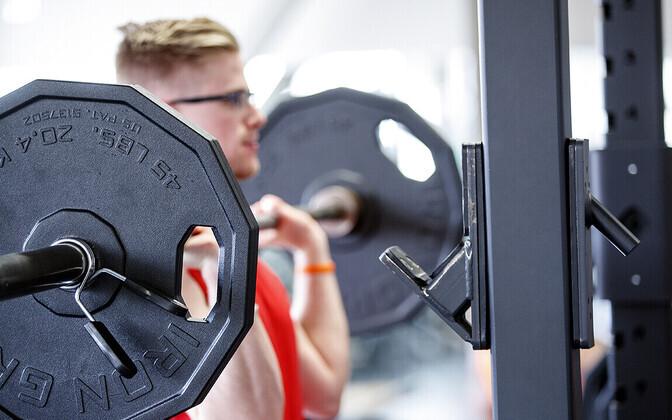Jõutreening raskemate koormustega suurendab rohekm musklijõudu kui kergematega treenimine.