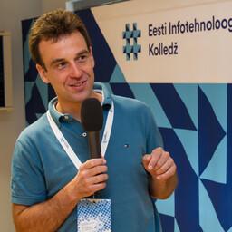 Ravensburg-Weingarteni rakenduskõrgkooli professor Tobias Eggendorfer.