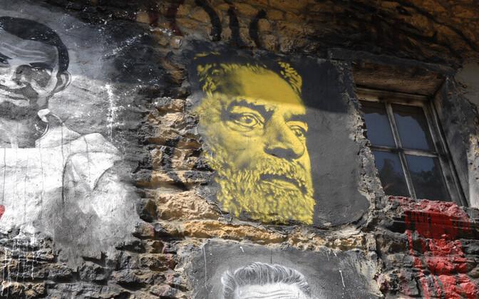 Бывшего президента Бразилии Лула да Сильва (центральное изображение) посадят в тюрьму.