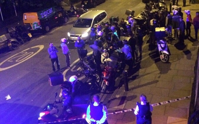 Британская полиция на месте происшествия в районе Хакни.