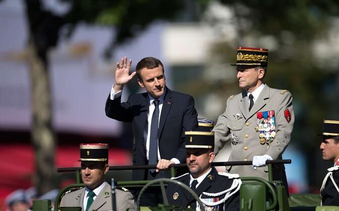 President Macron ja kindral de Villiers 14. juuli paraadil.