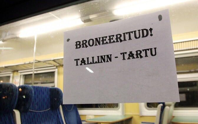 Edelaraudtee's final train took passengers from Tallinn to Tartu on the evening of Dec. 31, 2013. Pictured is a first-class wagon, which was equipped with tables and snack and drink service.