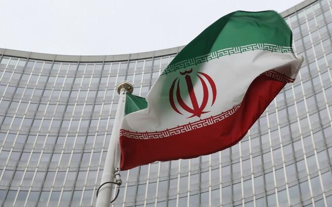 Iraani lipp Viinis IAEA peakorteri ees.