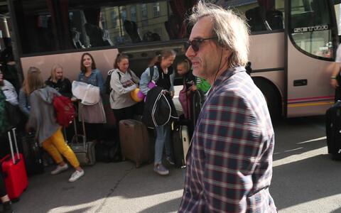 Aarne Saluveer teel kooride Eurovisioonile