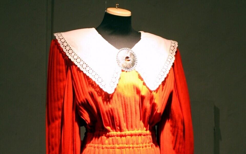 Kleit näituselt