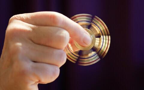 Fidget spinnerid ei suurenda õpilase võimalusi teisi segamata niheleda ja sellega oma erksuse taset tõsta.