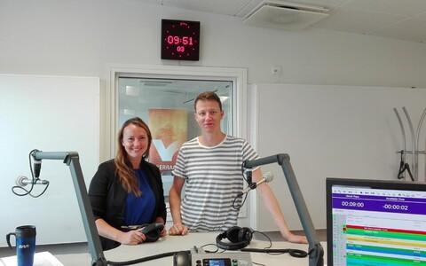 Kerttu Kaldoja ja Mihkel Ulk Vikerraadio stuudios.