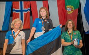Vedrupüssi kategooria naiste klassi esikolmik: Heli Jalakas, Renate Cesnokova, Regina Burviene (Leedu)