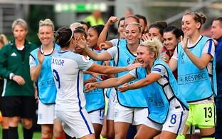 Jodie Taylor ja Inglismaa naiste jalgpallikoondis