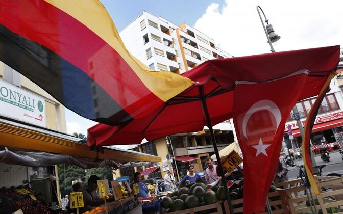 Saksamaa ja Türgi lipud.