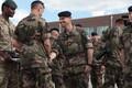 Tapal teenivad liitlassõdurid said missioonimedalid.