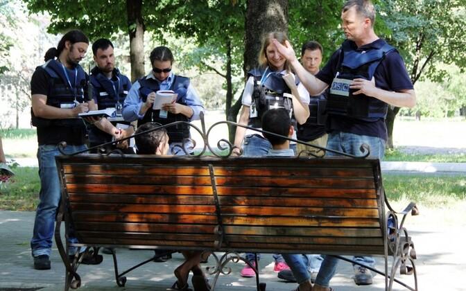 Сотрудники ОБСЕ в Донбассе в июне 2017 года.